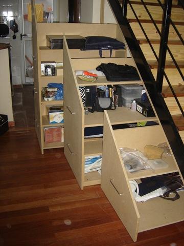 Muebles bajo escalera la carpinteria de daniel for Mueble escalera ikea
