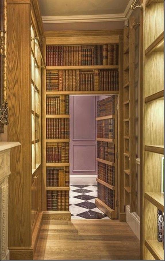 Biblioteca con puerta secreta2